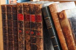 old-books-11281939505Msrn
