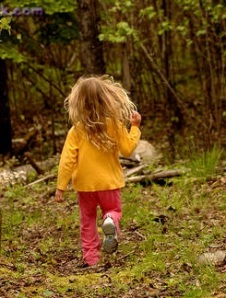 running away - little girl
