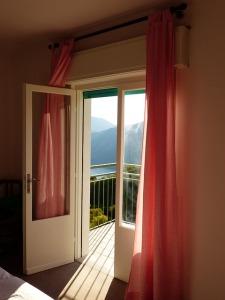 bedroom-357661_640