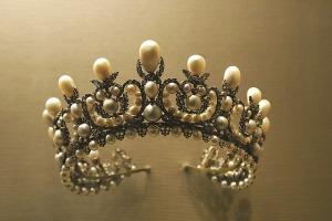 crown-1049927_640