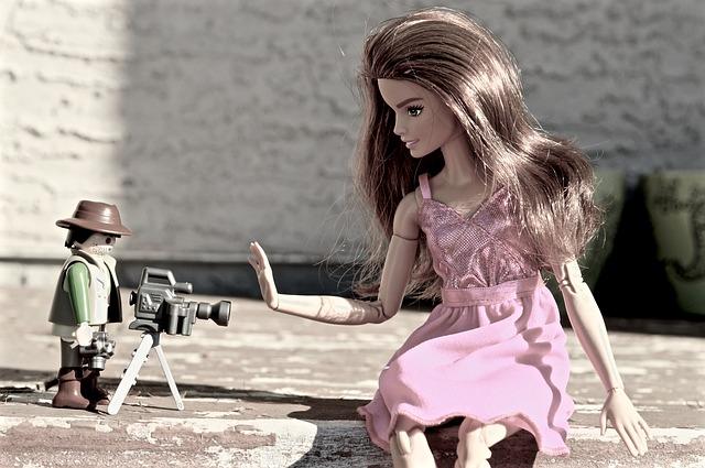 barbie-1708707_640
