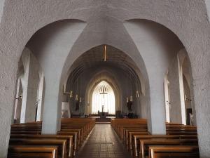 sanctuary-1024818_640